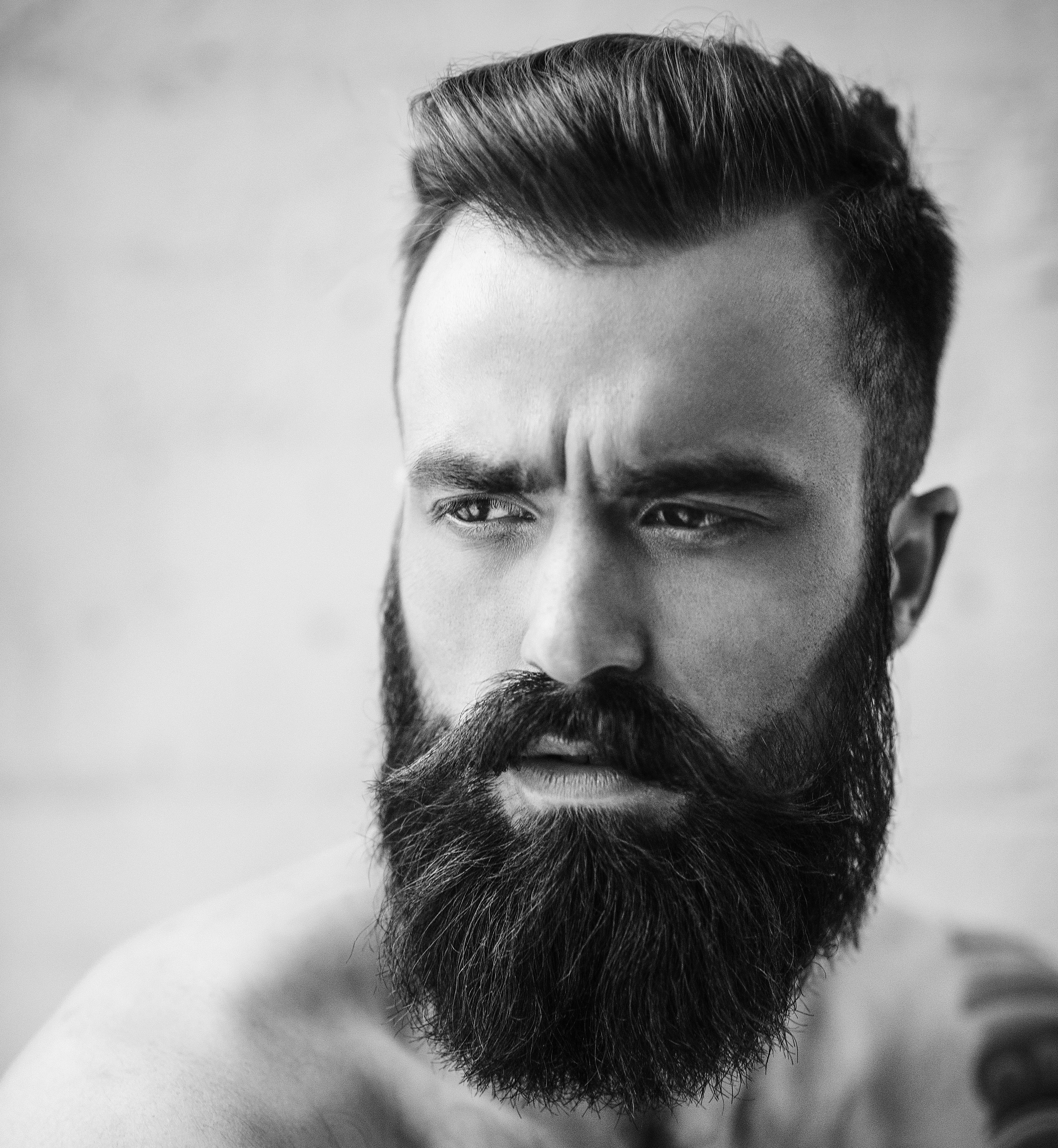 4 INGREDIENTS TO AVOID IN BEARD GROOMING PRODUCTS